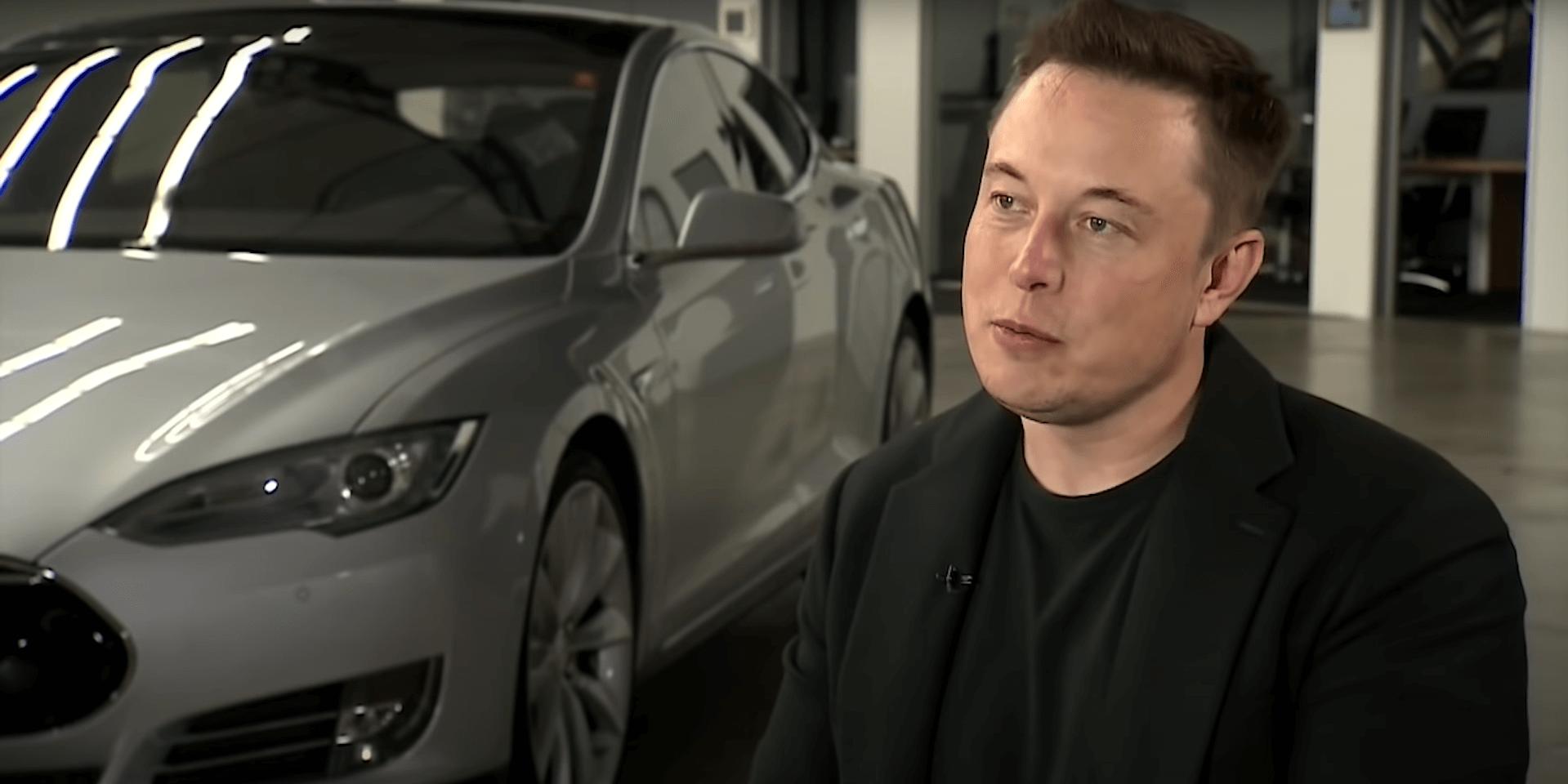 Илон Маск и автомобиль Тесла