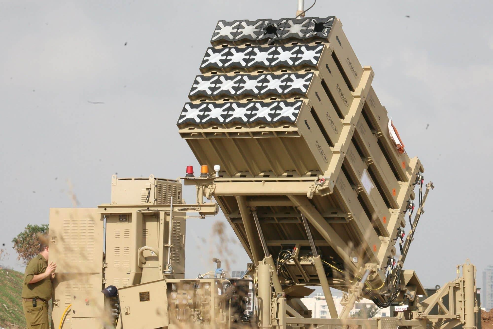 Реактивные снаряды системы ПРО Железный купол