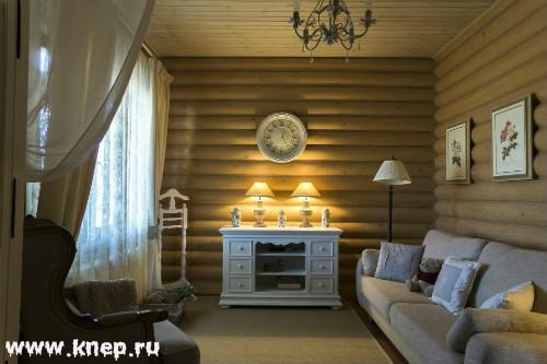 Бревенчатый дом в стиле прованс