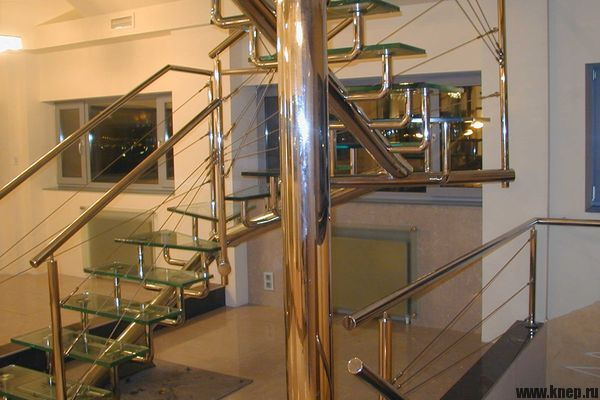 Строительство лестницы из металла для второго этажа